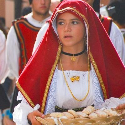 Wandern im Winter: Ernte-Dankfest auf Sardinien