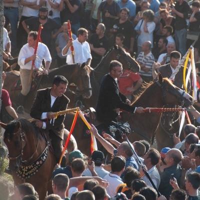 Wandern und Feste erleben: Reiterfeste auf Sardinien