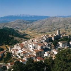 Kulturwanderungen in den Abruzzen: Campo Imperatore - Castel del Monte