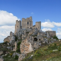 Wandern in den Abruzzen: Rocca Calascio - Campo Imperatore