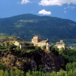 Wandern in Aosta: Besichtigungen von römisch bis mittelalterlich