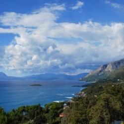 Wandern in Süditalien: Küstenwanderungen und Gipfelbesteigungen in der Basilikata