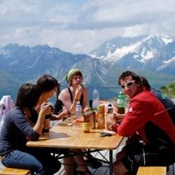 Wandern in Italien und Wallis: Hüttenrast in Wallis